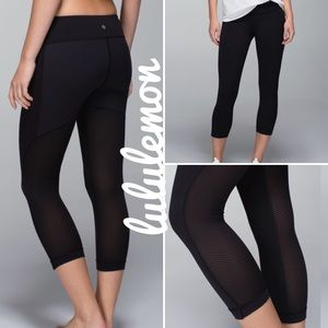 {lululemon} journey crops black split pea